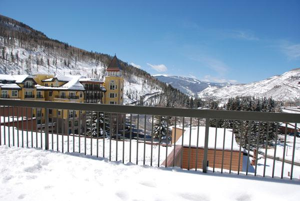 Winter view from wrap-around deck - 3 BR/3BA Private Penthouse Condo, Vail Spa Resort - Vail - rentals