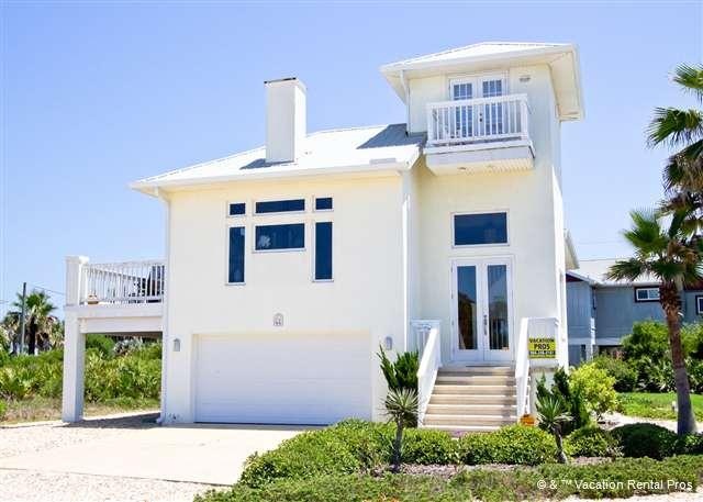 Rooms with views are what you'll find at Coastal Cottage - Coastal Cottage near Ocean Hammock Beach Resort, 4 Bedrooms - Flagler Beach - rentals