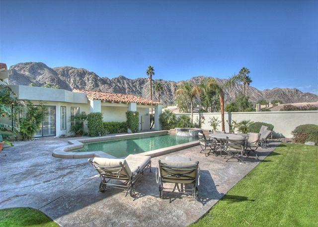 One of a kind golf course home with spectacular mountain & lake views - Image 1 - La Quinta - rentals