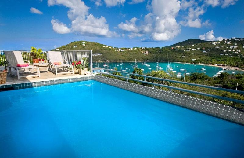 Pool deck with View to Great Cruz Bay - Hummingbird's Seacret  Villa St John USVI - Cruz Bay - rentals