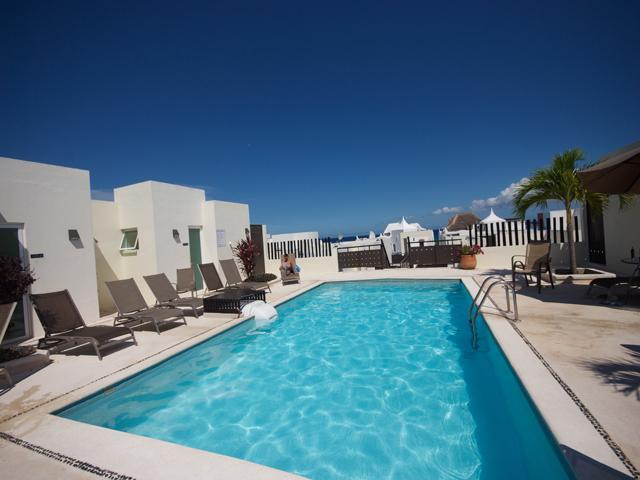 Do laps in luxury in this rooftop pool. - THE MERIDIAN Coco beach around the corner! - Playa del Carmen - rentals