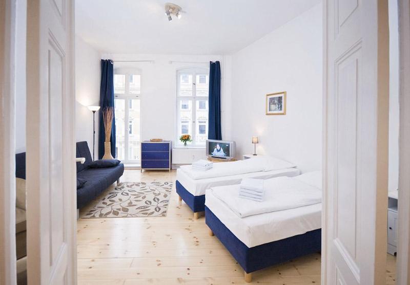 Apartment Rental at Janacek near Mitte in Berlin - Image 1 - Berlin - rentals