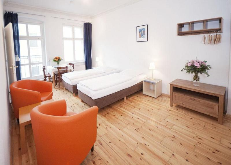 Handel Studio Apartment in Berlin, Germany - Image 1 - Berlin - rentals