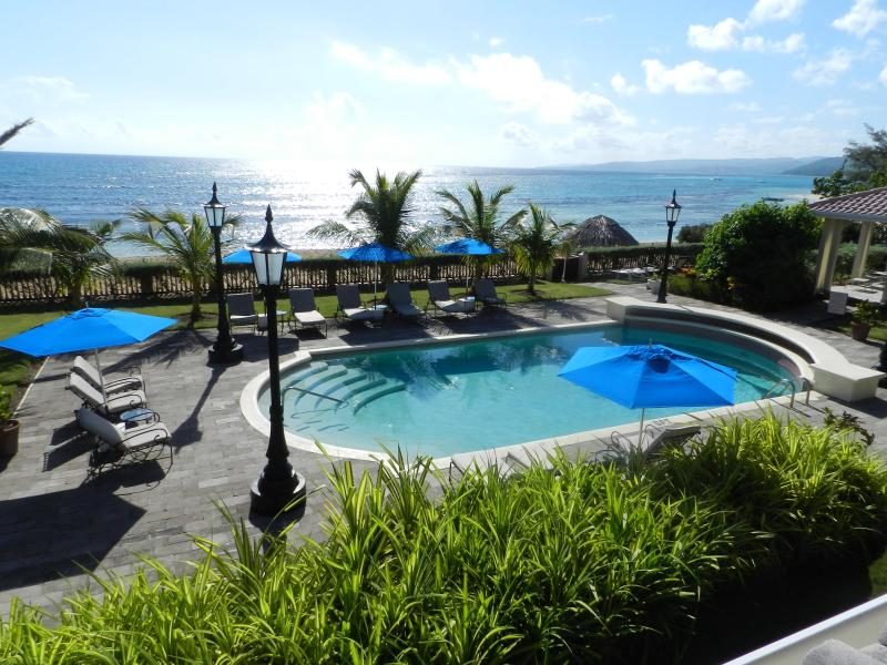 Sunrise - Luxury Beachfront Villa, 5 Staff, Coach and Driver - Ocho Rios - rentals
