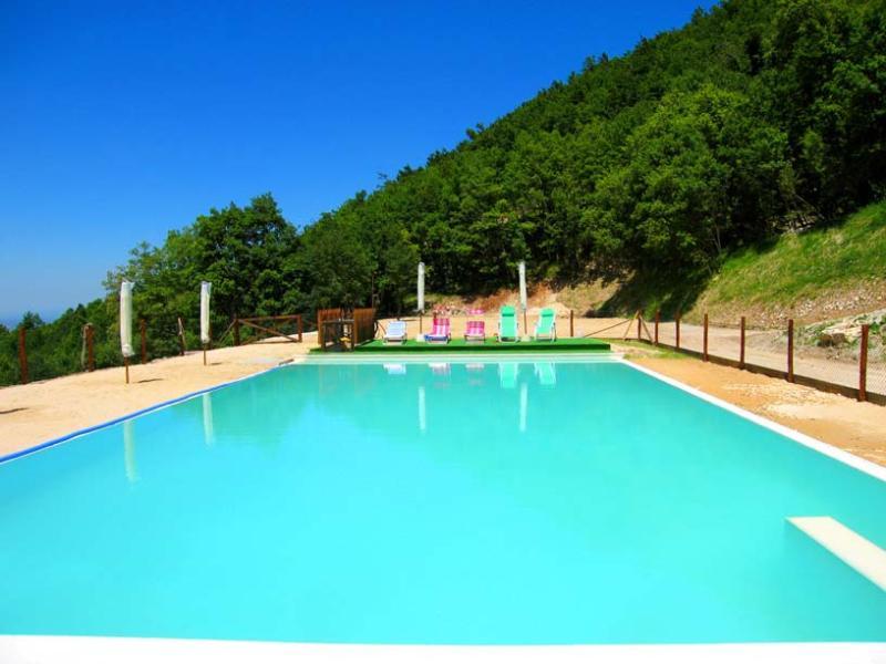 Villa Marianna : APTS A, B, C, D + E sleeps 25 - Image 1 - Spoleto - rentals