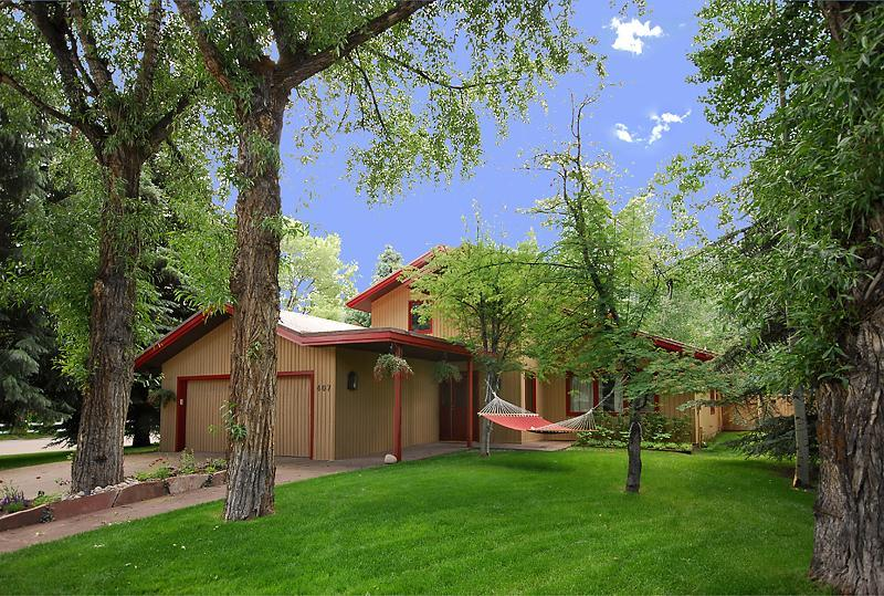 407 W. Smuggler, Aspen - Location & Luxury in Aspen's desireable West End! - Aspen - rentals