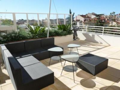 Fantastic Bristol Penthouse with Balcony in Cannes - Image 1 - Cannes - rentals