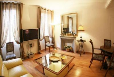 Helen Vagliano, Beautiful and Spacious 2 Bedroom Cannes Apartment - Image 1 - Cannes - rentals
