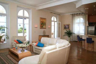 Spacious living area with large windows and luxurious furnishings - VIP Apartment with a Terrace, in Cannes - Cannes - rentals