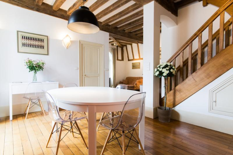 'Les Bons Enfants' - Dining area - 3 self-catering apartments in the heart of Dijon - Dijon - rentals