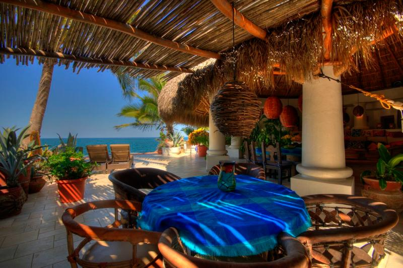 Shaded Breakfast nook - Stunning ocean all 3 sides near Sayulita - Sayulita - rentals