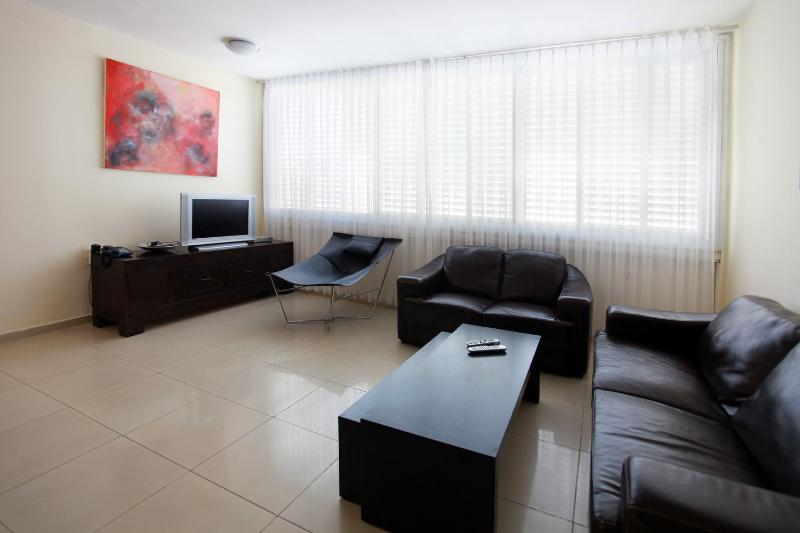 Luxury 2br apartment Prime location hayarkon St. - Image 1 - Tel Aviv - rentals