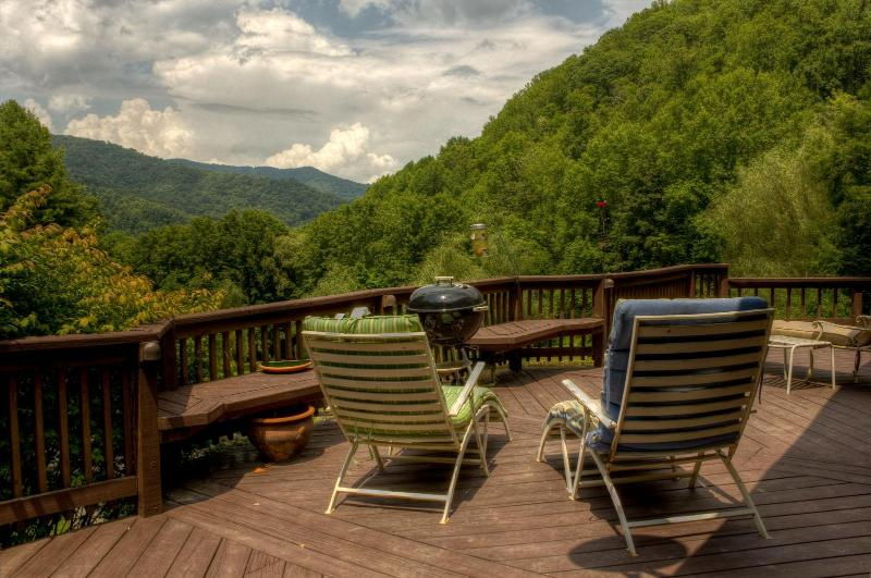The mountain view - Emerald Gate Farm  Farm Stay Vacation Rental Fishing Animals - Waynesville - rentals