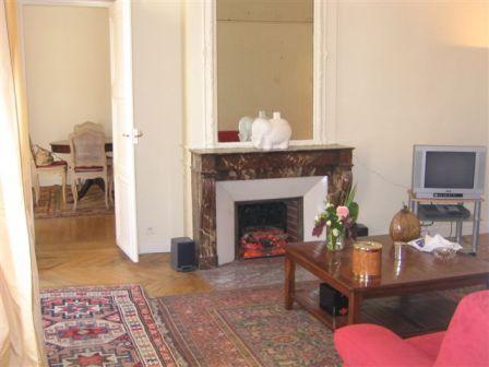 Villa in Rue des Petits Champs | Rent Villas | Classic Vacation - Image 1 - Paris - rentals