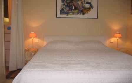 Villa in L'Odeon | Rent Villas | Classic Vacation - Image 1 - Paris - rentals