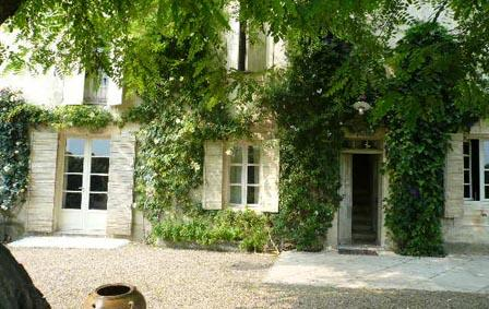 Villas in L'Hirondelle | Rent a Villa with Classic Vacation Rental! - Image 1 - Avignon - rentals