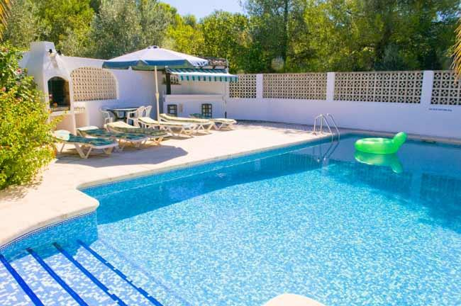 The large private pool with terrace surround and sunbeds for all - Villa Luis, Jávea, 5 bed, 2 bath, pool, Wi-Fi - Javea - rentals