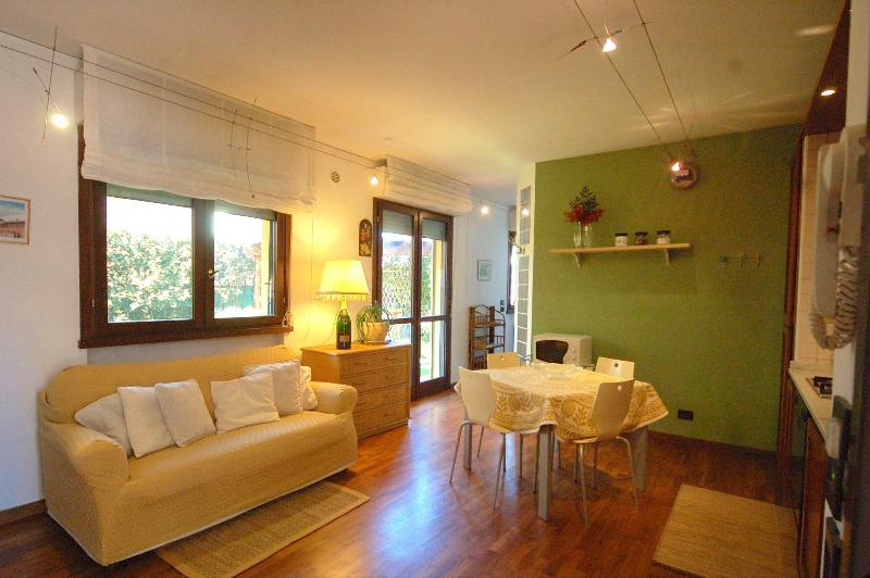 lucca Exclusive Rentals, Ghiselli - Lovely apt with garden a few step from Lucca's Wal - Lucca - rentals