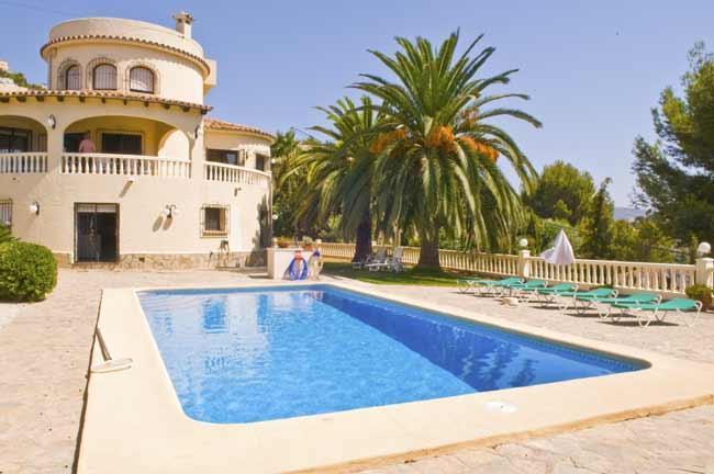 Cool off in the large pool - Villa Jacaranda Moraira, air-con, pool & UK TV - Benissa - rentals