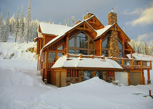 FRONT ELEVATION - Grizzly Ridge #1 Upper Snowpine Location Sleeps 9 - Big White - rentals