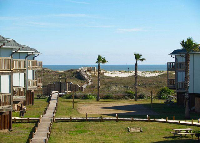 2 bedroom, 2 bath condo with a great view, boardwalk to the beach - Image 1 - Port Aransas - rentals