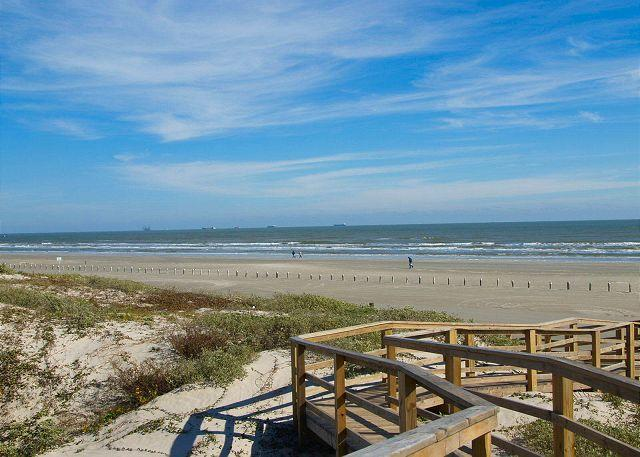 2 bedroom, 2 bath condo with a great view! - Image 1 - Port Aransas - rentals