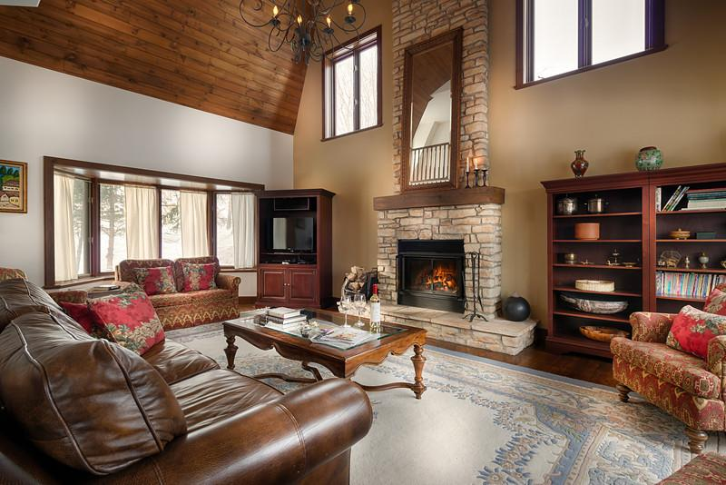 Living room - Million Dollar Home on Mont Tremblant Resort, 10 rooms with closed doors - Mont Tremblant - rentals