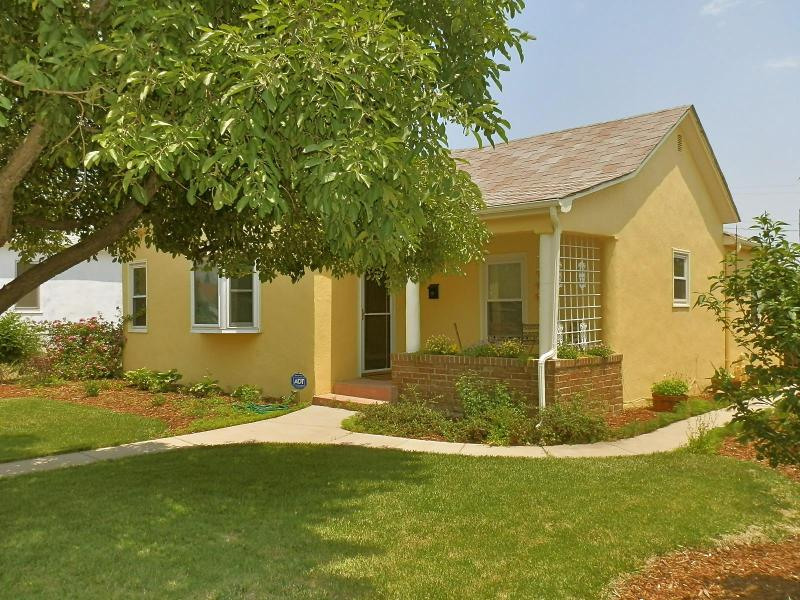 914 Tuscany Style Renovated 4 Bedroom Home~Close to AFA & Downtown - Come Stay at a Dream House! Early Booking Rates!! - Colorado Springs - rentals