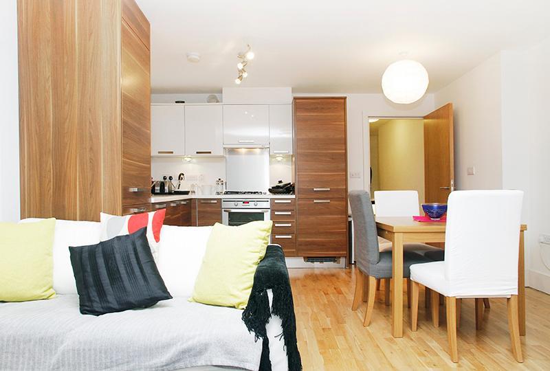Cozy 2 Bedroom London Apartment - Image 1 - London - rentals