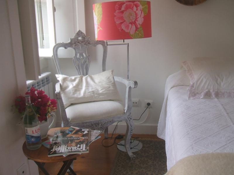 Bedroom details - Charming Apartment in Lisbon within Castle walls - Lisbon - rentals