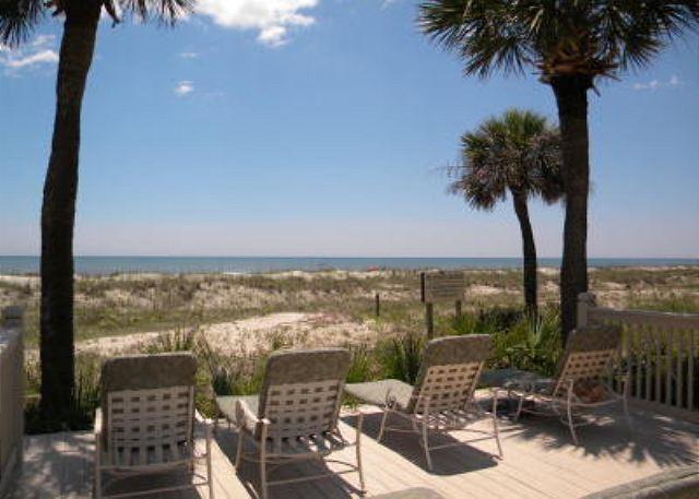 Sun Deck at Hampton - Hampton 5107, Oceanfront View, 2 Bedrooms, Large Pool Jacuzzi, Sleeps 4 - Hilton Head - rentals
