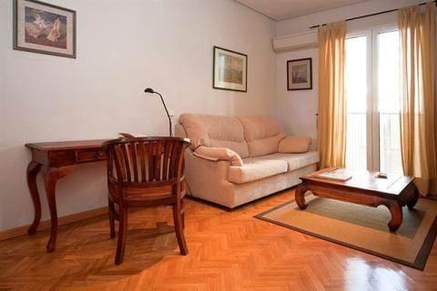 Heart of Madrid: Gran Via Sol Apartment - Image 1 - Madrid - rentals