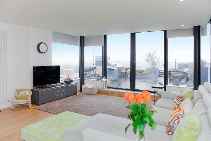 The Panoramic Penthouse at the Quartermile - The Edinburgh Address - Image 1 - Edinburgh - rentals