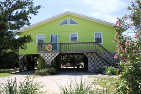 Exterior/parking - Endless Summer - Emerald Isle - rentals
