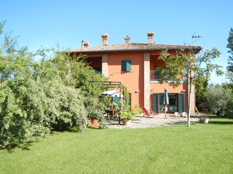 B&B VIA PUNTA 8 - ORIGINAL FARM HOUSE 10 MIN FROM CITY CENTER - Bologna - rentals