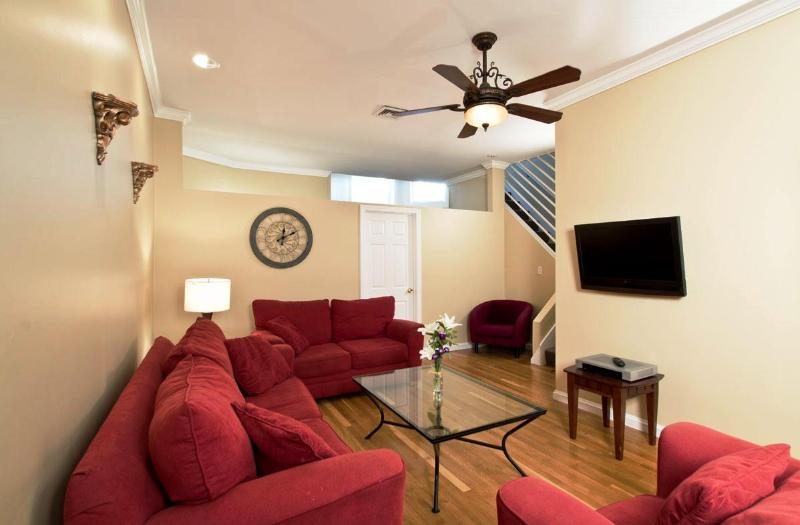 Boston Newbury 2 Bedroom Grand Suite - Large Newbury Street 2 Bedroom Apartment, sleeps 6 - Boston - rentals