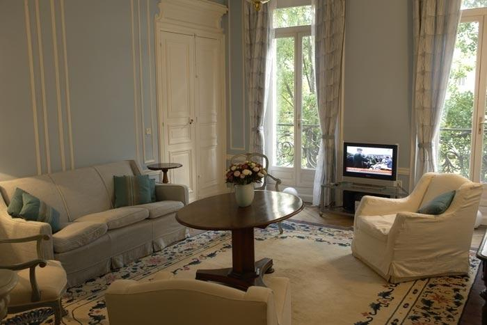Apartment Chatoyant Tuile vacation holiday apartment central paris france 4th arrondissement - Image 1 - Paris - rentals