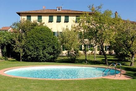 Villa Patrizia vacation villa in Lucca - Rent this villa in Lucca - Image 1 - Lucca - rentals