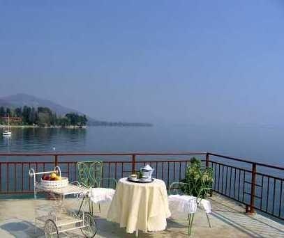 Villa Statal Lake Maggiore villa fo rent - Rent this house with Rentavilla.com - Image 1 - Meina - rentals