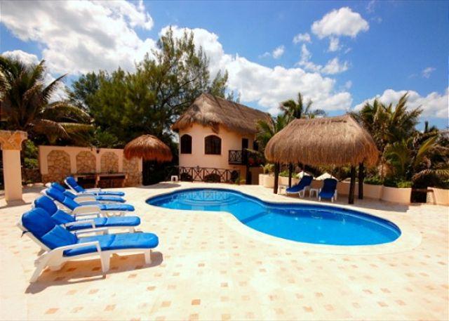 Poolside area, Casa Iguana Akumal Mexico - Casa Iguana - World - rentals
