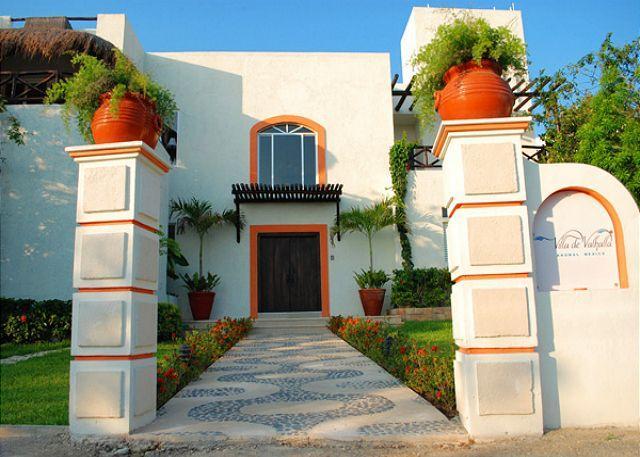 Street Side Entry - Akumal Direct, Villa de Valhalla, Akumal - Akumal - rentals