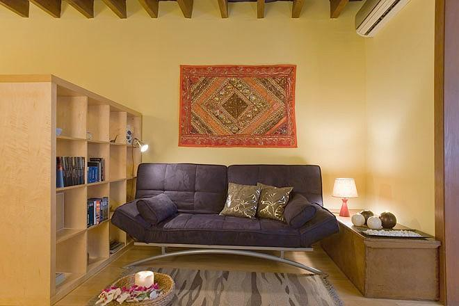 Art Gallery, 2 BR & 2 baths in Eixample - Image 1 - Barcelona - rentals
