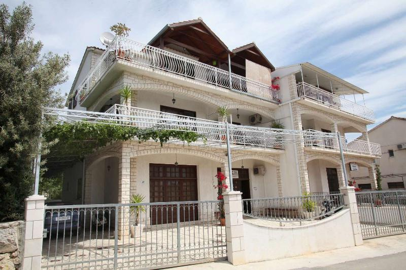 House - Apartments HRABAR [A4],TROGIR - 500m to old center - Trogir - rentals