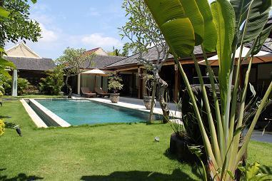view garden / pool - STUNNING 3 BEDROOM VILLA KIKI - SEMINYAK - Seminyak - rentals