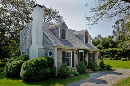 CLASSIC CAPE ON QUIET VILLAGE LANE - EDG RANT-20 - Image 1 - Edgartown - rentals