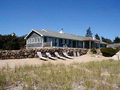 EAST CHOP WATERFRONT: IDEAL FOR GROUPS & FAMILIES - OB TOCO-89 - Image 1 - Oak Bluffs - rentals