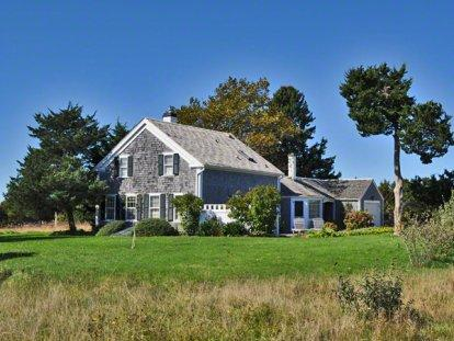 SANDERLING HOUSE: STYLISH FARMHOUSE AT HERRING CREEK FARM - KAT RHUG-31 - Image 1 - Edgartown - rentals