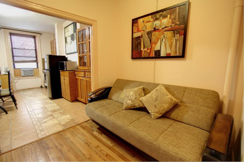 Beautiful 2 bdrm in Upper East - Image 1 - New York City - rentals