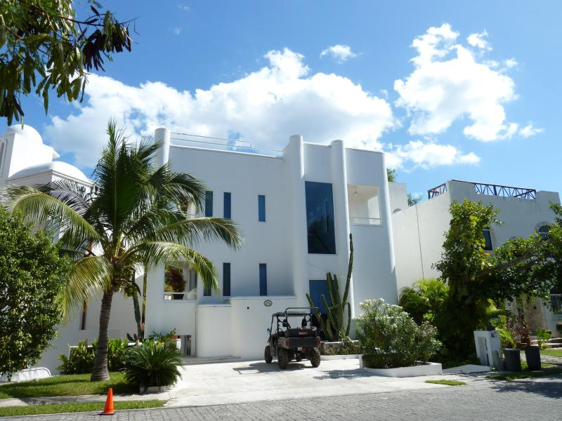 Casa Susana Front - Casa Susana in Playacar-Architectural Delight - Playa del Carmen - rentals