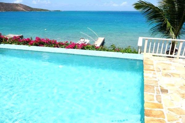 Quiet, casual, secluded Caribbean villa nestled on its own snorkeling beach. VG SER - Image 1 - Leverick Bay - rentals